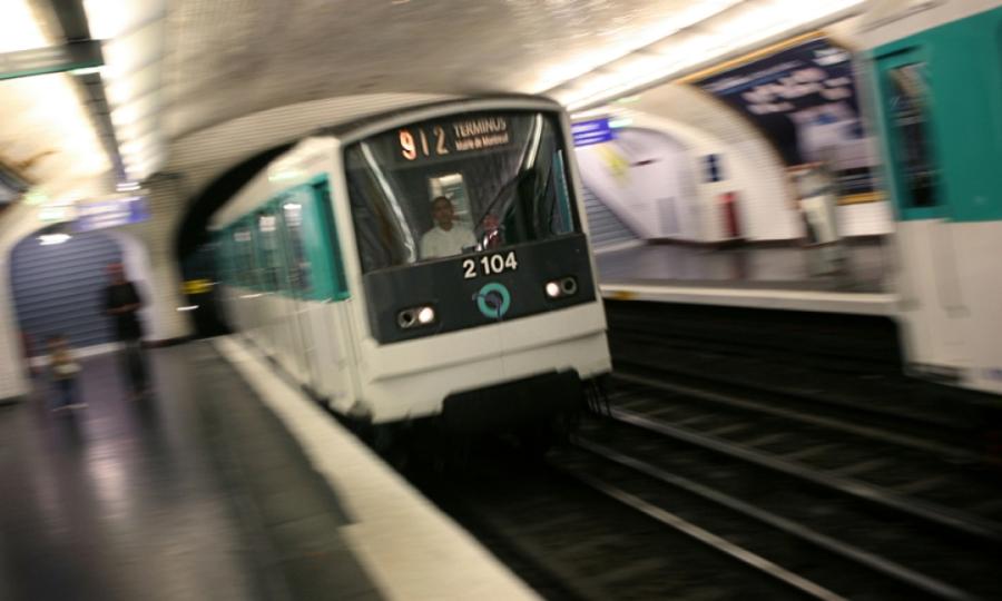 Le métro, le plus urbain des modes de transportvert