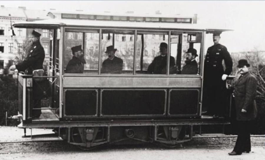 Le tramway en France, le compromis entre train etmétro